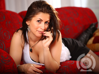 Hot nasty tramp looking for live webcam action