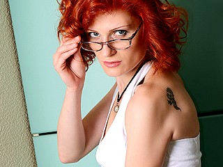 RedHoney hot red head webcam chat girl