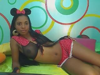 Ebanohorny hot ebony babe waiting on cams