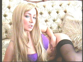 LoveDolll4u naughty young doll on live webcam