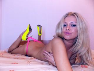 SandySquirts hot blonde xxx live chat
